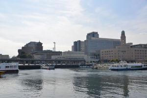 横浜税関、神奈川県庁がみえています