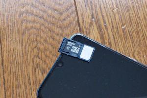 モバイルONEのsimカードに交換