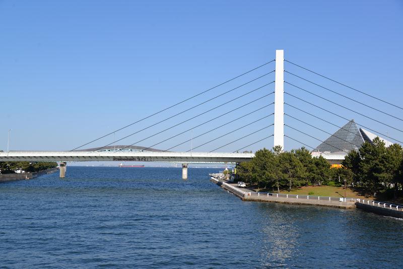金沢八景大橋からの風景